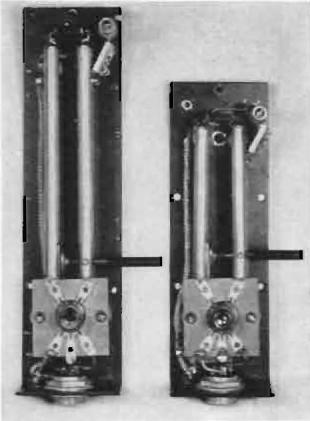 Resonant stub tank circuits in vacuum tube backpack UHF transceiver, 1938. About 1/8 wavelength long: (left) 200 MHz stub is 19 cm, (right) 300 MHz stub is 12.5 cm. By L. C. Sigmon [Public domain], via Wikimedia Commons